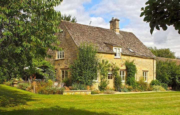 bruern-holiday-cottages-bookers-cotswold-cottage-featured