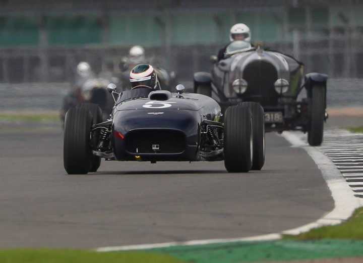 vintage-bentley-cars-racing-on-the-track-at-silverstone