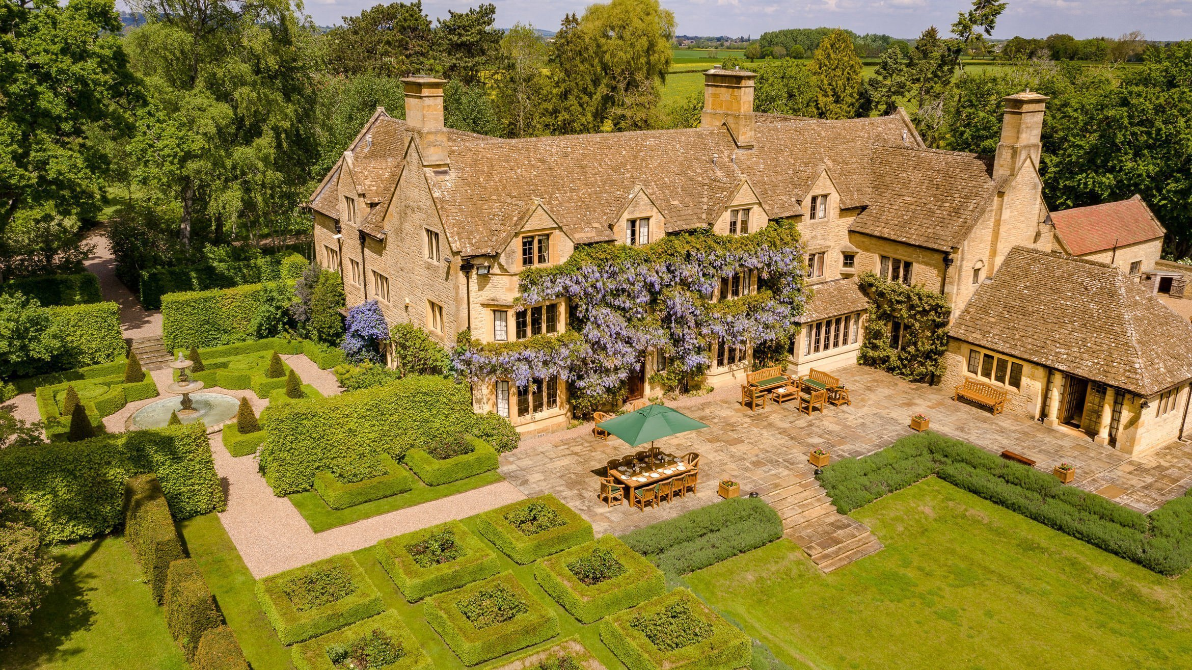 astley-manor-stow-on-the-wold-aerial-view